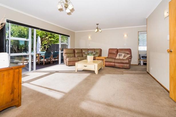 27 Hatherlow Street, Glenfield, Auckland - NZL (photo 5)