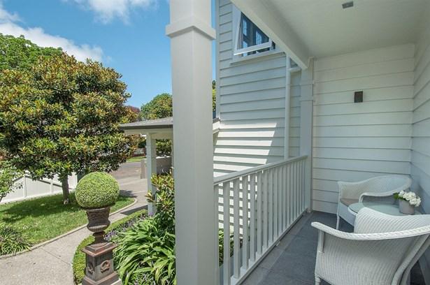 8 Pukenui Road, Epsom, Auckland - NZL (photo 4)