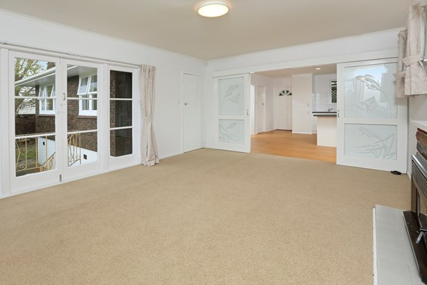 137 Edmonton Road, Te Atatu South, Auckland - NZL (photo 4)
