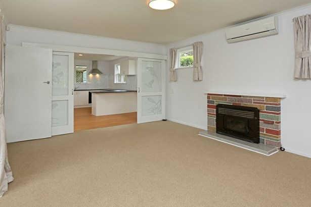 137 Edmonton Road, Te Atatu South, Auckland - NZL (photo 5)