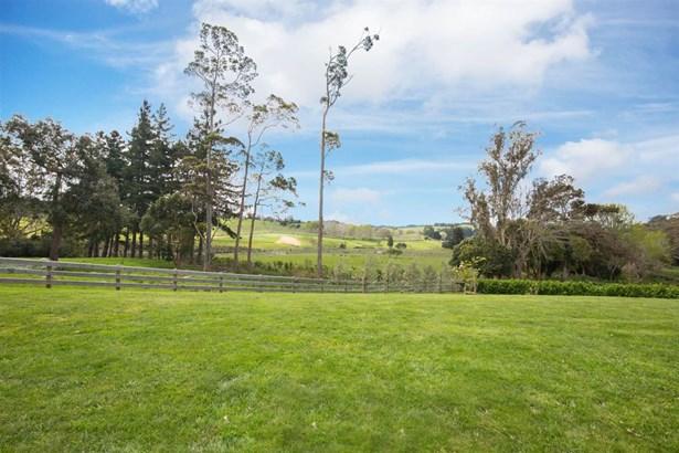 1524 Weranui Road, Wainui, Auckland - NZL (photo 3)