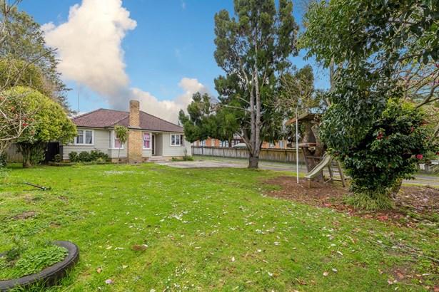 54 Swanson Road, Henderson, Auckland - NZL (photo 3)