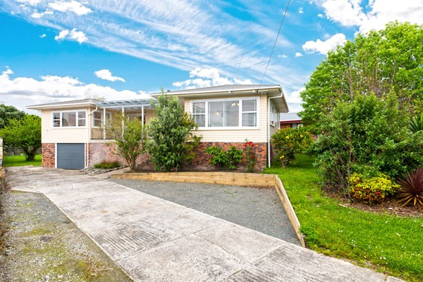 17 Royal View Road, Te Atatu South, Auckland - NZL (photo 1)