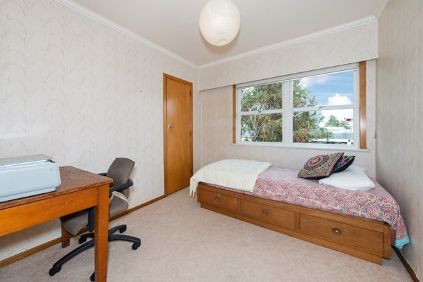 17 Royal View Road, Te Atatu South, Auckland - NZL (photo 5)