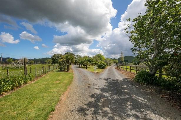 40 Hunter Road, Taupaki, Auckland - NZL (photo 3)