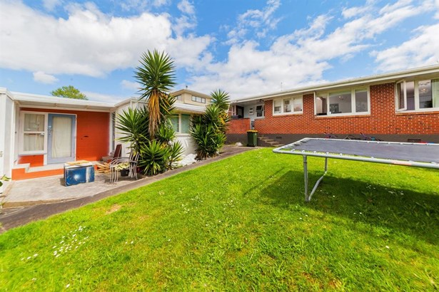 60 Bradbury Road, Highland Park, Auckland - NZL (photo 1)