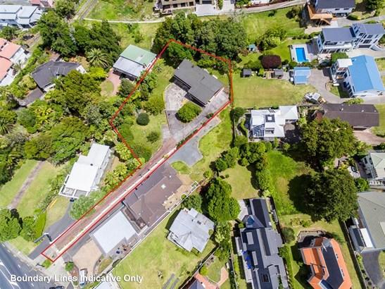 930 Beach Road, Waiake, Auckland - NZL (photo 3)