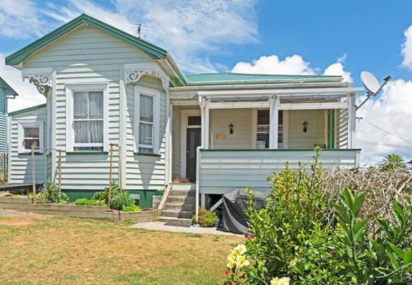 12 Karaka Street, Helensville, Auckland - NZL (photo 2)