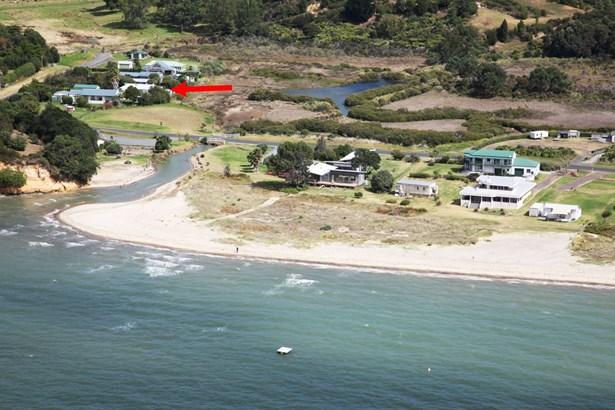 10 Mackinnon Road, Big Bay, Auckland - NZL (photo 1)