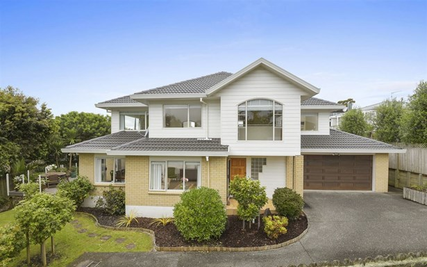 2/16 Rutherford Terrace, Meadowbank, Auckland - NZL (photo 1)