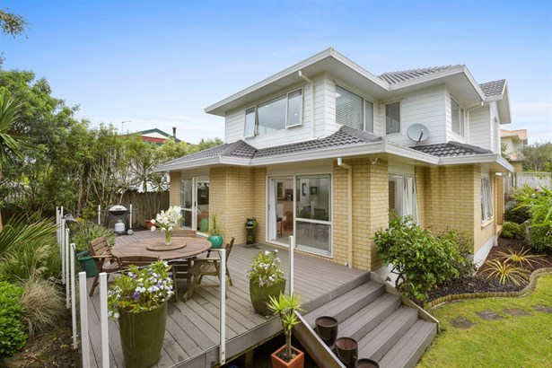 2/16 Rutherford Terrace, Meadowbank, Auckland - NZL (photo 2)