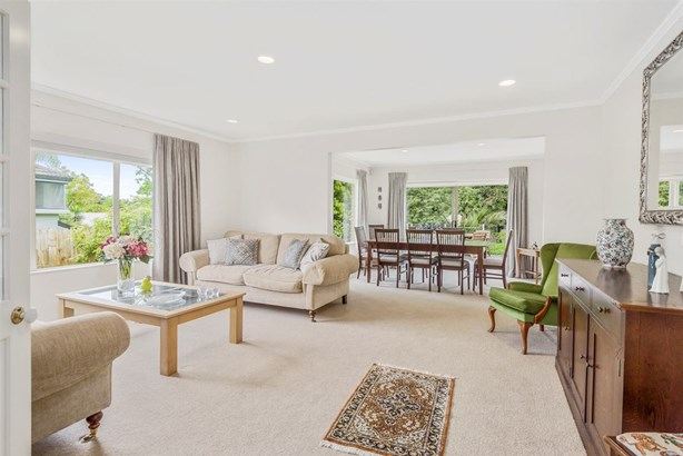 2/16 Rutherford Terrace, Meadowbank, Auckland - NZL (photo 4)