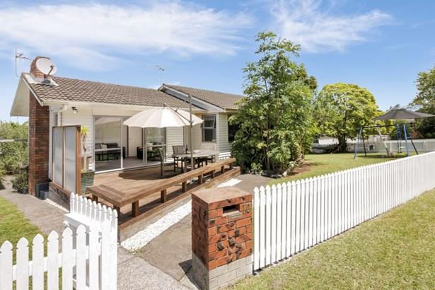 10 Orton Street, Glenfield, Auckland - NZL (photo 1)