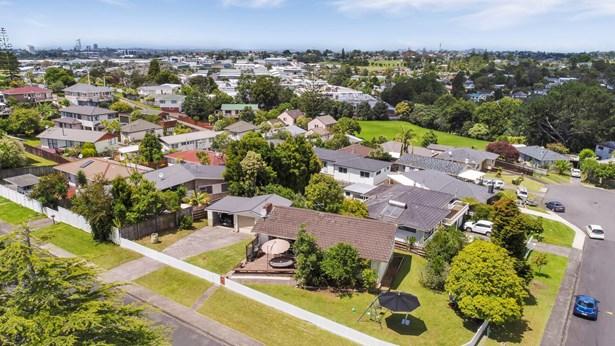 10 Orton Street, Glenfield, Auckland - NZL (photo 4)