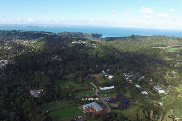 323e Huia Road, Titirangi, Auckland - NZL (photo 3)