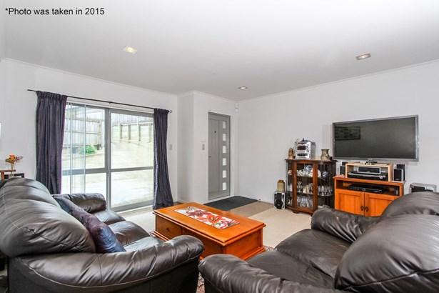 12 Nirmal Place, Sunnyvale, Auckland - NZL (photo 2)