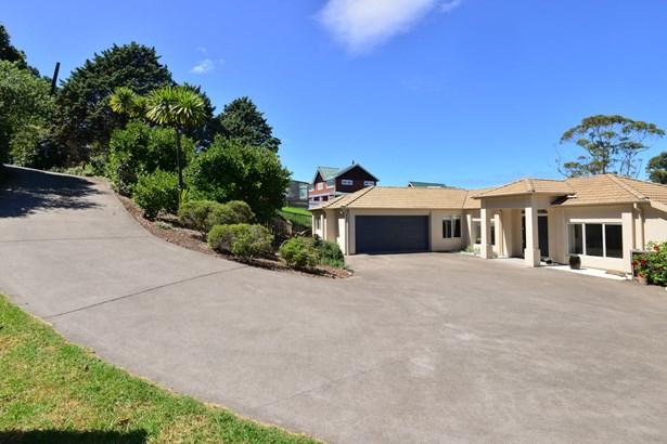 1141a Whangaparaoa Road, Tindalls Beach, Auckland - NZL (photo 3)