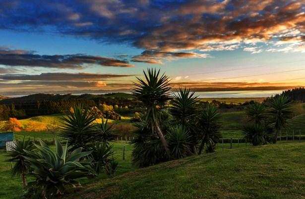2092a Kaipara Coast Highway, Kaukapakapa, Auckland - NZL (photo 3)