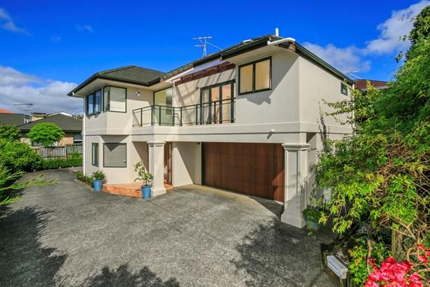 2/8 Waiau Street, Torbay, Auckland - NZL (photo 1)