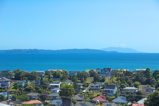 31a Brightside Road, Stanmore Bay, Auckland - NZL (photo 2)