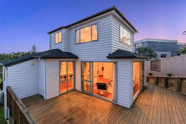125 Beach Road, Castor Bay, Auckland - NZL (photo 3)