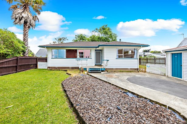 15 Bluewater Place, Wattle Downs, Auckland - NZL (photo 2)
