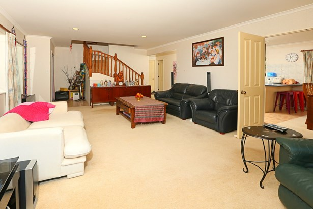 28a Commodore Drive, Lynfield, Auckland - NZL (photo 2)