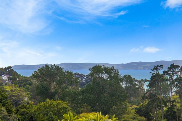 12a Castleton Drive, Mellons Bay, Auckland - NZL (photo 2)