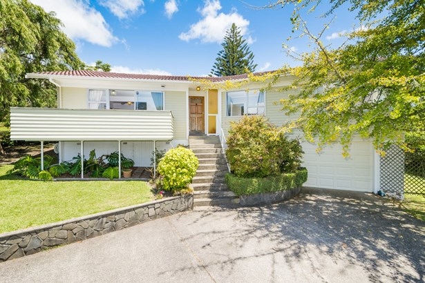 18a Chivalry Road, Glenfield, Auckland - NZL (photo 1)