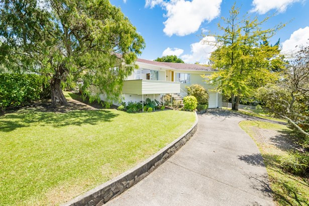 18a Chivalry Road, Glenfield, Auckland - NZL (photo 3)