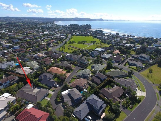 38 Esther Place, Red Beach, Auckland - NZL (photo 2)