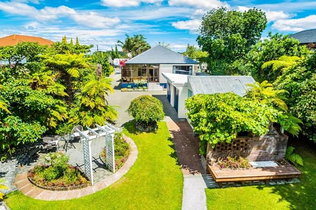 48 Tirimoana Road, Te Atatu South, Auckland - NZL (photo 1)