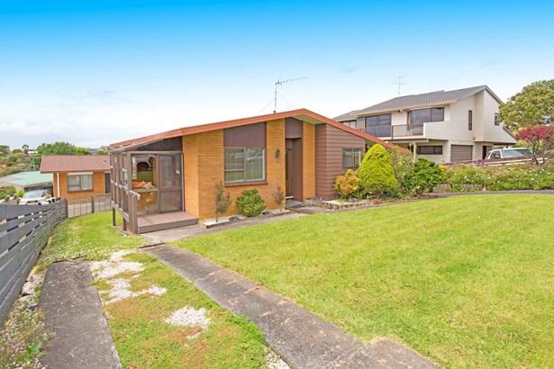1/12 Halldene Terrace, Red Beach, Auckland - NZL (photo 2)