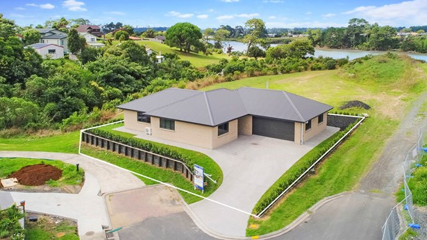 31 Owens Road, Waiuku, Auckland - NZL (photo 2)
