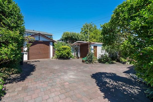 114 St Andrews Road, Epsom, Auckland - NZL (photo 5)
