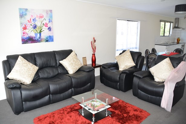 2/70 Palmers Road, Clendon, Auckland - NZL (photo 2)
