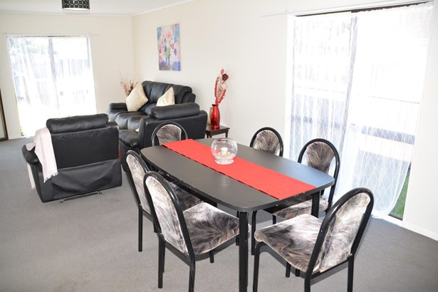 2/70 Palmers Road, Clendon, Auckland - NZL (photo 3)