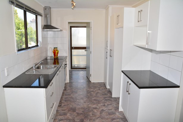 2/70 Palmers Road, Clendon, Auckland - NZL (photo 5)