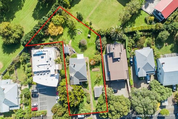13 Green Lane East, Remuera, Auckland - NZL (photo 3)