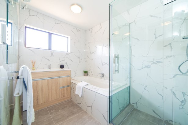 2/1515 Great North Road, Waterview, Auckland - NZL (photo 2)