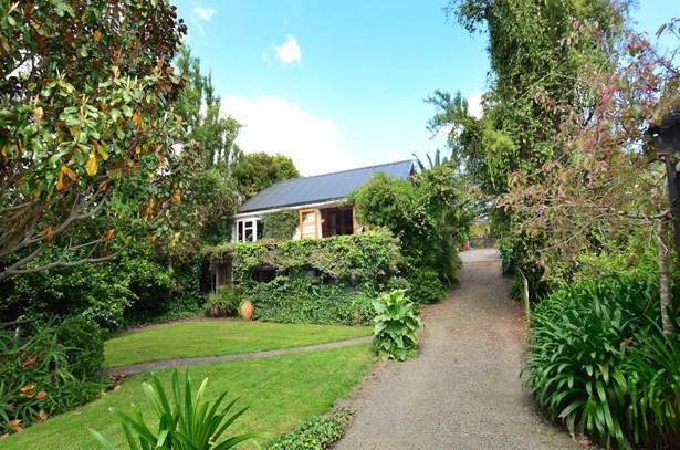 92 Awaroa Road, Helensville, Auckland - NZL (photo 1)
