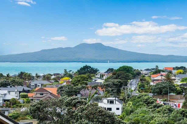 19 Rangitoto Terrace, Milford, Auckland - NZL (photo 4)