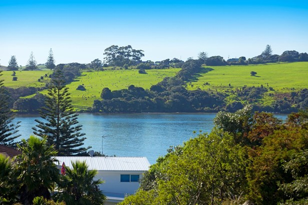 38 Everard Avenue, Army Bay, Auckland - NZL (photo 4)
