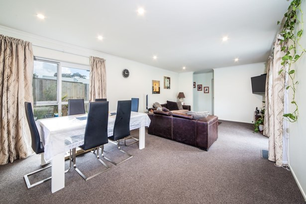 11 Karetai Crescent, Favona, Auckland - NZL (photo 5)