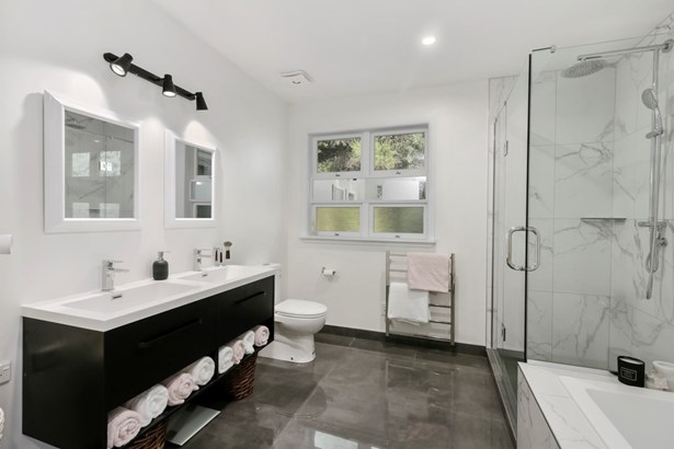 9 The Close, Greenhithe, Auckland - NZL (photo 5)
