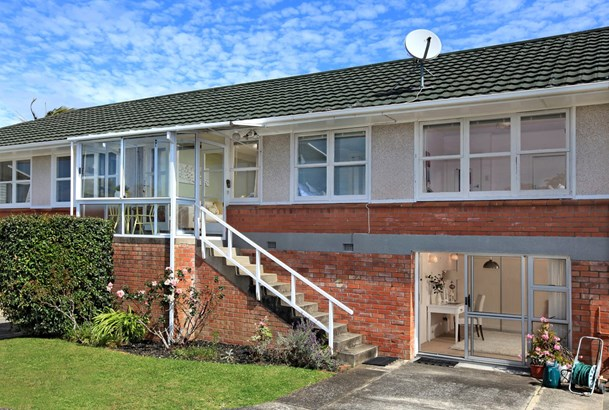 2/128a St Johns Road, Meadowbank, Auckland - NZL (photo 1)