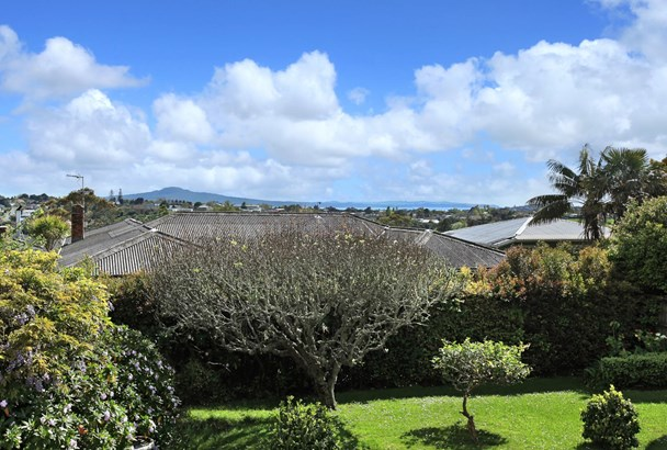 2/128a St Johns Road, Meadowbank, Auckland - NZL (photo 2)