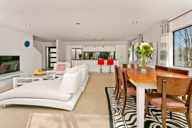 8a Deverell Place, Browns Bay, Auckland - NZL (photo 3)