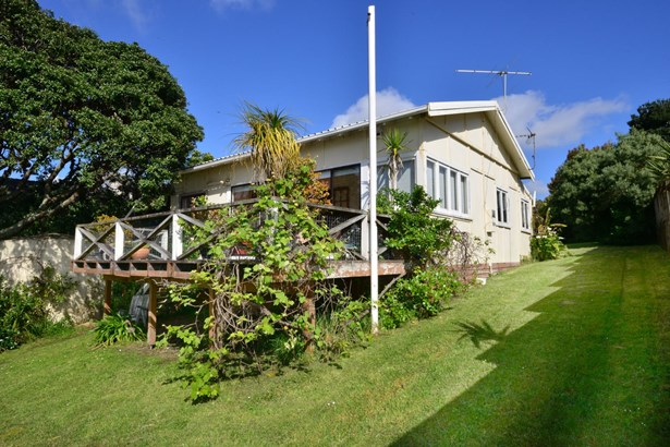 876 Whangaparaoa Road, Manly, Auckland - NZL (photo 3)