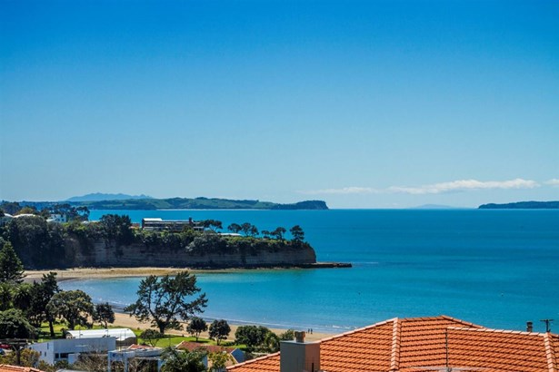 8 Hyde Road, Rothesay Bay, Auckland - NZL (photo 1)